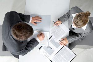 Por que é importante estabelecer parcerias no serviço de contencioso de massa?