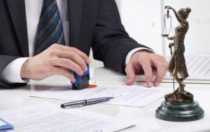 Qual o roteiro adequado para defesa em caso de execução de título extrajudicial?
